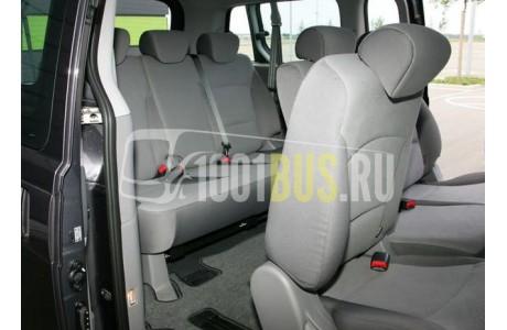 Аренда Минивэн Hyundai H-1 - фото сбоку