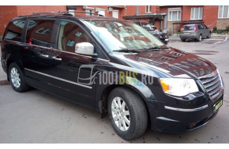 фотография Минивэн Chrysler Town Country